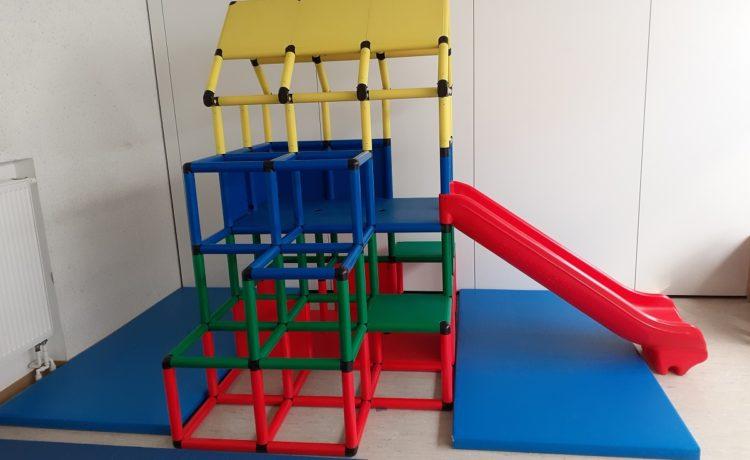 Ein neues Kletterhaus für den Kindergarten